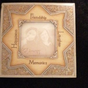 NWT Friendship Frame